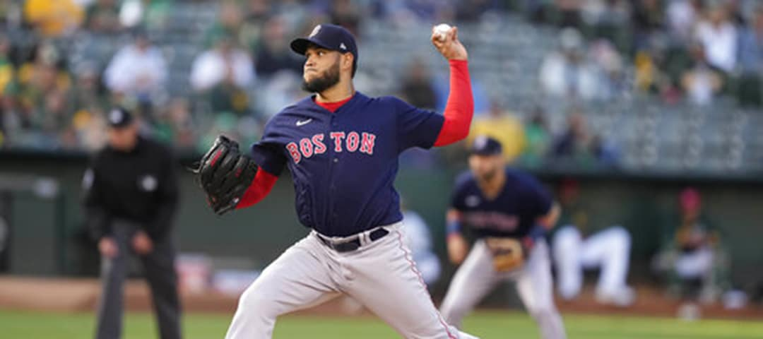 Eduardo Rodriguez pitching for the Boston Red Sox
